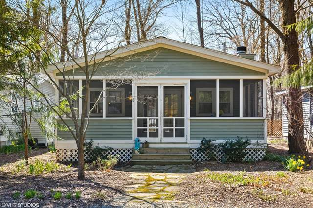 16038 Greenwood Avenue #3, Union Pier, MI 49129 (MLS #20025937) :: Jennifer Lane-Alwan