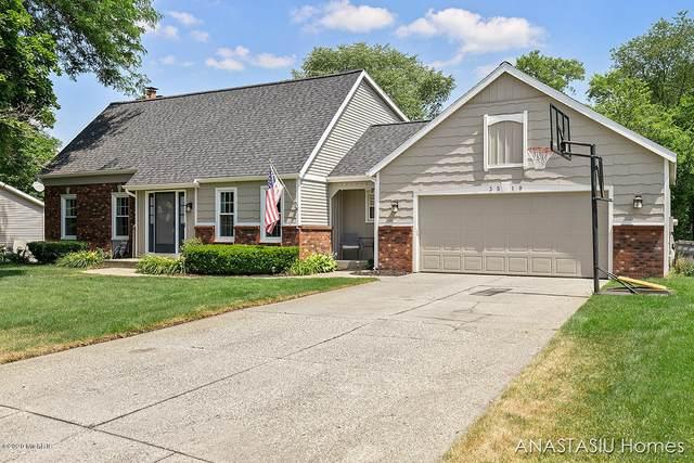 3510 Hidden Hills Avenue SE, Grand Rapids, MI 49546 (MLS #20026098) :: JH Realty Partners