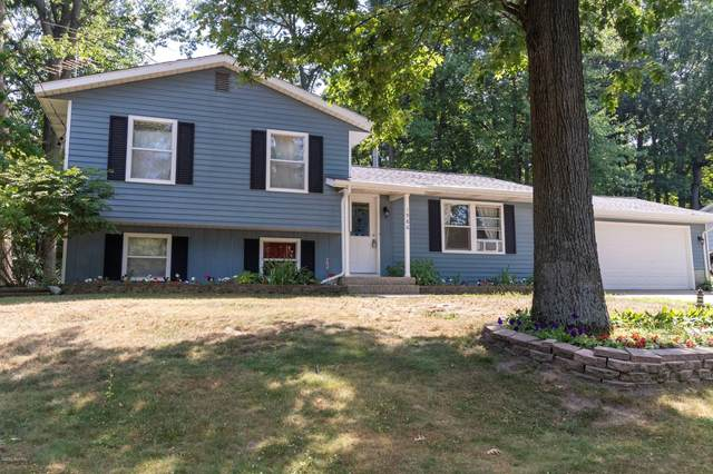 1986 Cannon SW, Wyoming, MI 49519 (MLS #20026157) :: JH Realty Partners