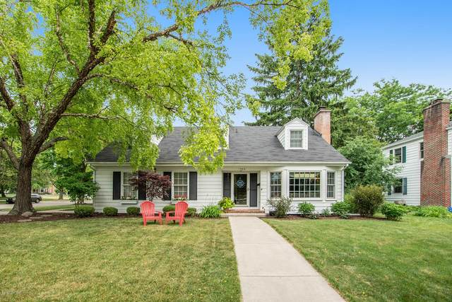 1404 Sherwood Avenue SE, East Grand Rapids, MI 49506 (MLS #20026558) :: JH Realty Partners