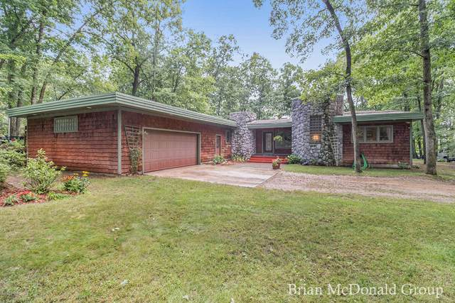 3855 Forest Trail, Allegan, MI 49010 (MLS #20027310) :: JH Realty Partners