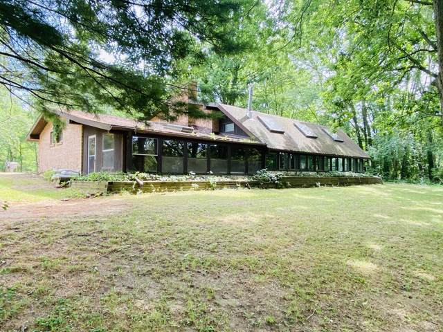 9090 Lake Forest Drive, Coopersville, MI 49404 (MLS #20027468) :: Ginger Baxter Group