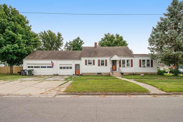9 Michigan Street W, Three Oaks, MI 49128 (MLS #20028452) :: JH Realty Partners