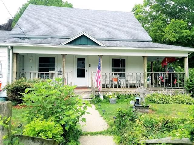 128 E Oak Street, Fremont, MI 49412 (MLS #20029091) :: Keller Williams RiverTown