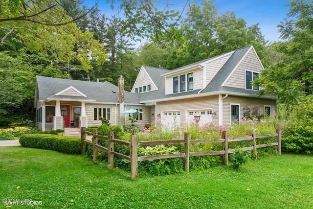 7885 W Martin Road, Three Oaks, MI 49128 (MLS #20029512) :: JH Realty Partners