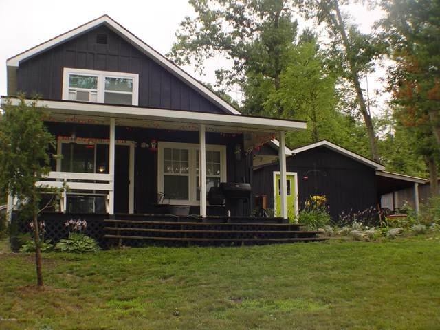 837 Bruce Drive, Middleville, MI 49333 (MLS #20029619) :: Deb Stevenson Group - Greenridge Realty