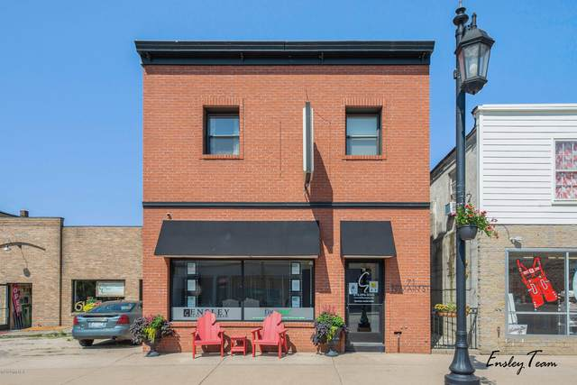 71 N Main Street NE, Cedar Springs, MI 49319 (MLS #20029642) :: Jennifer Lane-Alwan