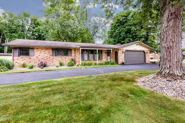 301 Timber Drive, Coloma, MI 49038 (MLS #20030555) :: JH Realty Partners