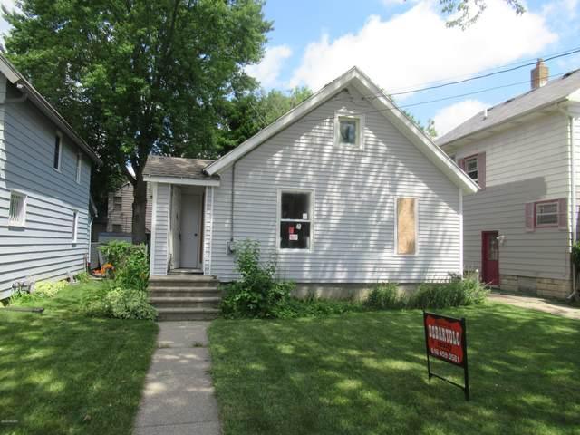 1316 W Lenawee Street, Lansing, MI 48915 (MLS #20030593) :: Deb Stevenson Group - Greenridge Realty