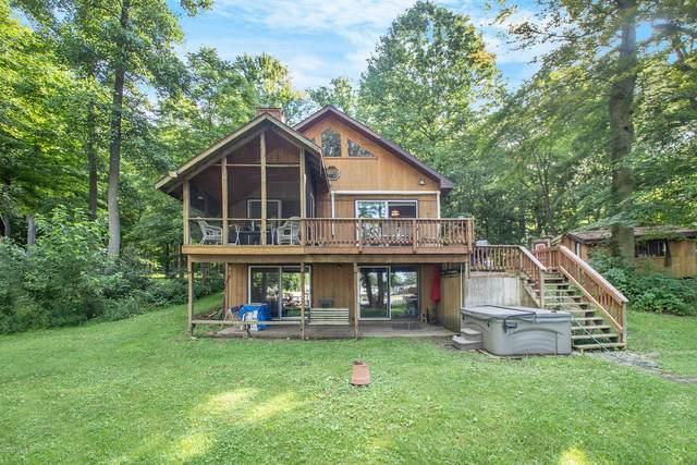 21290 Carlton Avenue Cottage #17, Cassopolis, MI 49031 (MLS #20030706) :: Ron Ekema Team