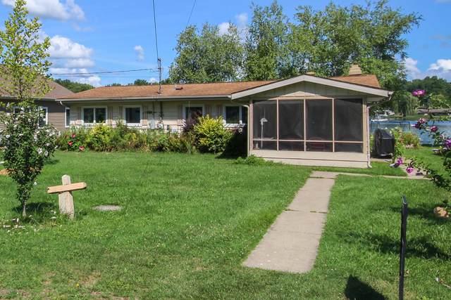 58004 Avery Road, Three Rivers, MI 49093 (MLS #20031353) :: CENTURY 21 C. Howard