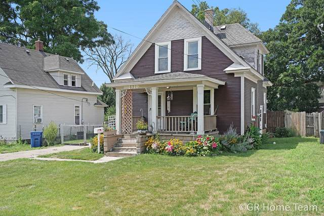 2911 Barrett Avenue SW, Grandville, MI 49418 (MLS #20031411) :: Jennifer Lane-Alwan