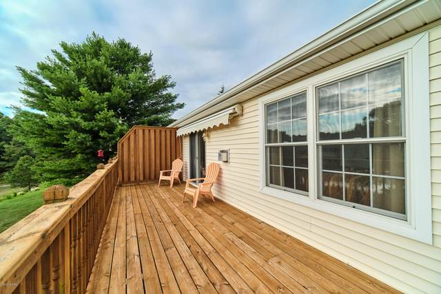 1814 Pine Ridge Drive, Manistee, MI 49660 (MLS #20031531) :: Jennifer Lane-Alwan