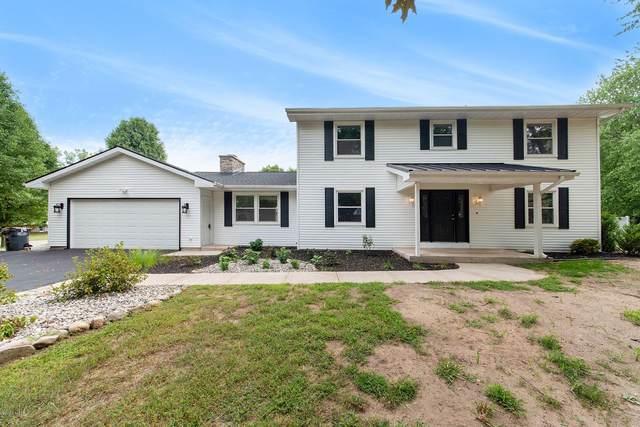 1115 Woodview Drive, Portage, MI 49024 (MLS #20031602) :: Keller Williams Realty | Kalamazoo Market Center