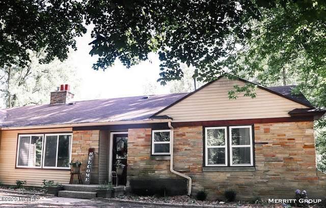 4404 N Division Avenue, Comstock Park, MI 49321 (MLS #20031777) :: Keller Williams Realty | Kalamazoo Market Center