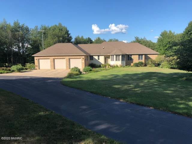 2195 Brinn Vista Drive, Otsego, MI 49078 (MLS #20031927) :: Deb Stevenson Group - Greenridge Realty