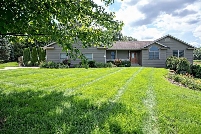 5500 Meadow Lane, Coloma, MI 49038 (MLS #20031951) :: JH Realty Partners