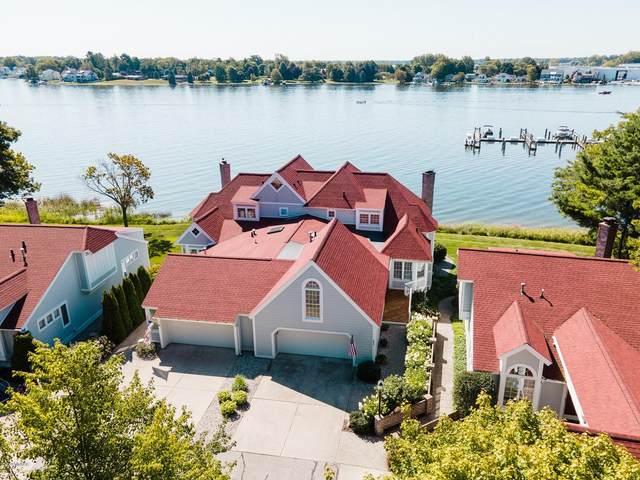 16880 Landing Drive, Spring Lake, MI 49456 (MLS #20031981) :: Ginger Baxter Group