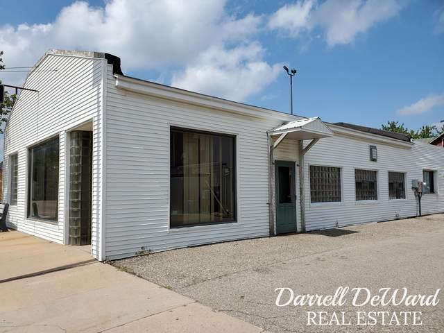 114 Pine Street, Wayland, MI 49348 (MLS #20032977) :: Ginger Baxter Group