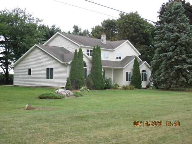 4501 W Chicago Road, Jonesville, MI 49250 (MLS #20033285) :: Ginger Baxter Group