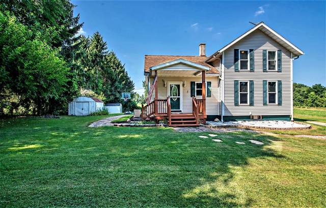 9415 Meadowbrook Road, Eau Claire, MI 49111 (MLS #20033478) :: JH Realty Partners