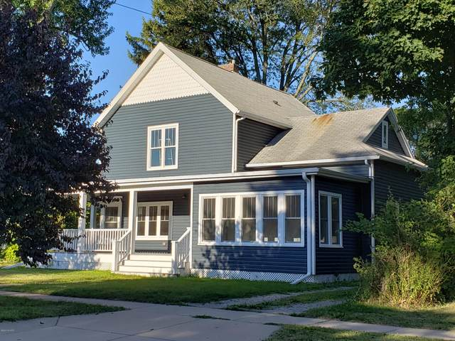 207 S Elm Street, Three Oaks, MI 49128 (MLS #20034064) :: JH Realty Partners