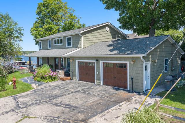 224 Dixie Street, Spring Lake, MI 49456 (MLS #20034081) :: Deb Stevenson Group - Greenridge Realty
