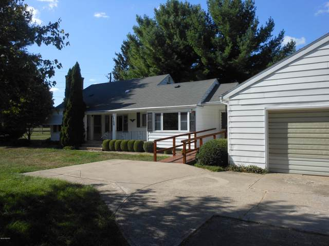 10329 S Chapin Lane, Berrien Springs, MI 49103 (MLS #20034428) :: Ron Ekema Team