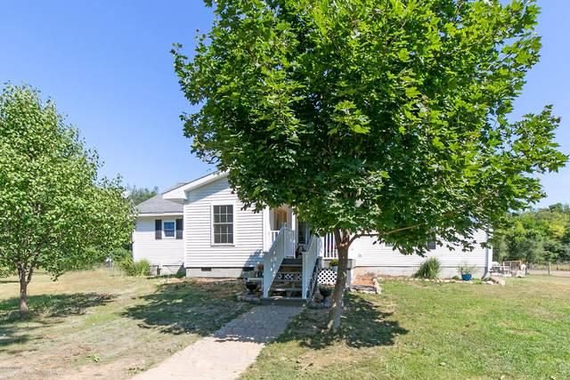 60524 Shoreline Drive, Burr Oak, MI 49030 (MLS #20034717) :: Deb Stevenson Group - Greenridge Realty