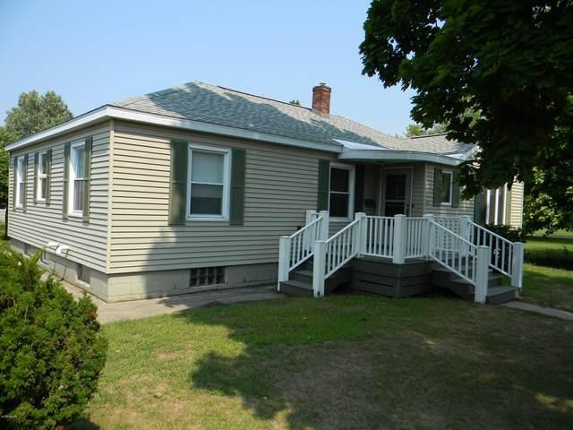 605 Fourth Street, Ludington, MI 49431 (MLS #20035258) :: JH Realty Partners