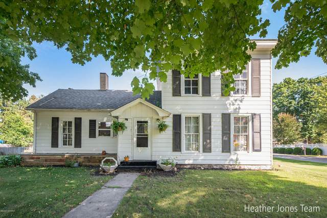 233 N Oak Street, Sheridan, MI 48884 (MLS #20036154) :: Deb Stevenson Group - Greenridge Realty