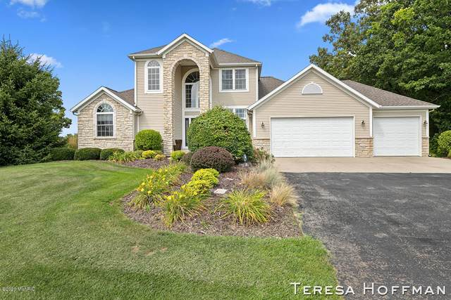 2525 NE Recluse Drive NE, Cedar Springs, MI 49319 (MLS #20036260) :: Keller Williams RiverTown
