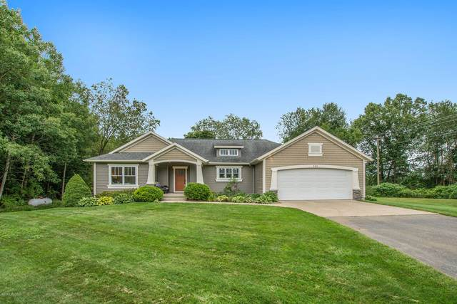 588 Boot Lake Ridge, Shelbyville, MI 49344 (MLS #20036422) :: Ron Ekema Team