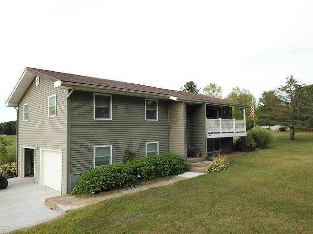 18565 G Dr N Drive N, Marshall, MI 49068 (MLS #20036480) :: Jennifer Lane-Alwan
