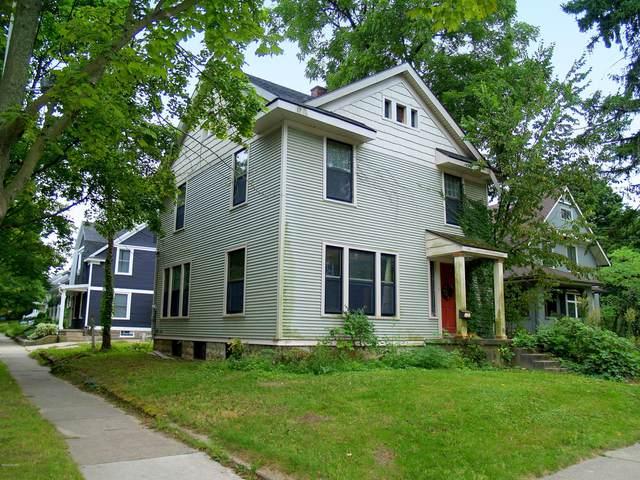 1626 Robinson Road SE, East Grand Rapids, MI 49506 (MLS #20037173) :: Ron Ekema Team