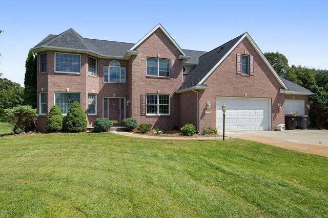 313 Hyder Circle Drive, Plainwell, MI 49080 (MLS #20037237) :: Ginger Baxter Group