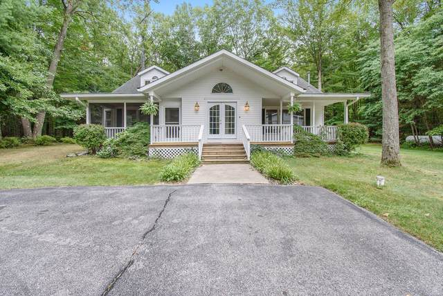 4563 W Hammett Road, Pentwater, MI 49449 (MLS #20037380) :: Deb Stevenson Group - Greenridge Realty
