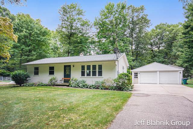 11035 12th Avenue, Grand Rapids, MI 49534 (MLS #20037599) :: Ginger Baxter Group
