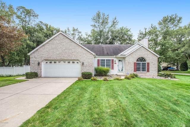 5726 Hillview Drive, Berrien Springs, MI 49103 (MLS #20038057) :: Jennifer Lane-Alwan