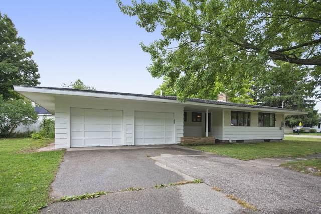 238 E Muskegon Street NE, Cedar Springs, MI 49319 (MLS #20038228) :: Ginger Baxter Group