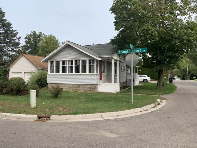 1179 South Shore Drive, Holland, MI 49423 (MLS #20038261) :: JH Realty Partners