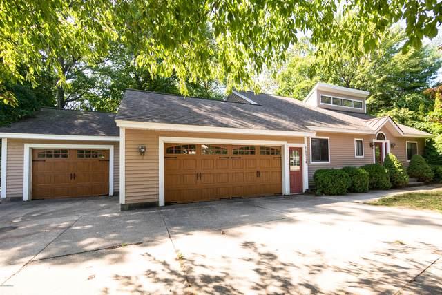 16334 Highland Drive, Spring Lake, MI 49456 (MLS #20038294) :: Ron Ekema Team
