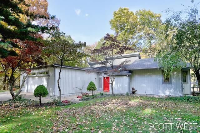2723 Timpson Avenue SE, Lowell, MI 49331 (MLS #20038330) :: JH Realty Partners