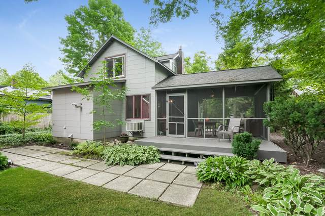 548 Hoffman Street, Saugatuck, MI 49453 (MLS #20038453) :: Deb Stevenson Group - Greenridge Realty