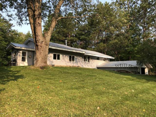 2195 N Jebavy Drive, Ludington, MI 49431 (MLS #20038612) :: Ron Ekema Team