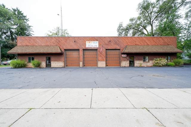 935 S Lafayette Street, Greenville, MI 48838 (MLS #20038644) :: Ron Ekema Team