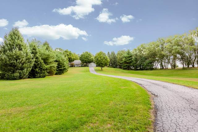2801 Carter Road, Coloma, MI 49038 (MLS #20038772) :: JH Realty Partners