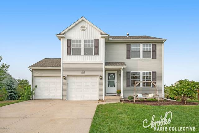 1633 Crescent Pointe Drive SE, Caledonia, MI 49316 (MLS #20038794) :: Ron Ekema Team