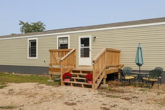 6984 Clarksville Road, Clarksville, MI 48815 (MLS #20038799) :: Ginger Baxter Group