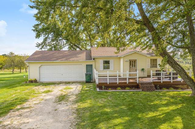 17711 Laketon Avenue, Casnovia, MI 49318 (MLS #20038927) :: Deb Stevenson Group - Greenridge Realty